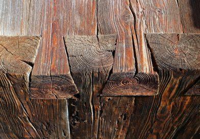 Holzbank Detail