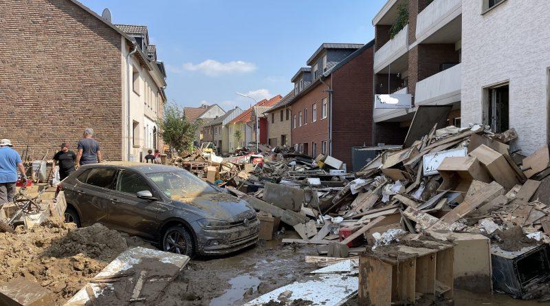 Ortsverein Odendorf Frankenstrasse bei Aufräumarbeiten